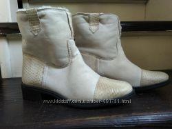Ботинки размер 39 по стельке  25. 5 см на шерсти новые