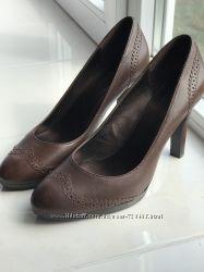 Туфлі-лодочки Worthington