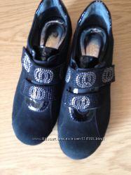 Замшевые туфли девочке, новые, 35 размер, 22, 5 см. Tiflani