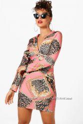 Boohoo. Товар из Англии. Потрясающее платье с декорацией модного декора узла