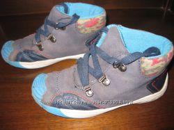 Отличные ботинки LUPILU, размер 28