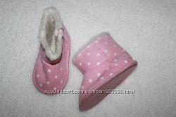 Пинетки утеплённые сапожки, ботинки, высокие кедики, на девочку 0-18 мес.