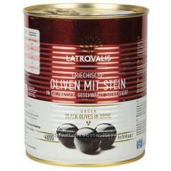 Черные Оливки с косточкой Latrovalis, 900 Г