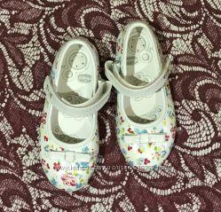 красивые туфельки Chicco