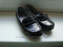 Туфлі лакові чорні 28 розмір.