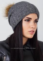 Удлиненная вязаная шапка с отворотом и меховым бубоном, расцветки в наличии