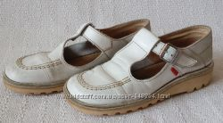 Продам туфли KicКers, размер 34