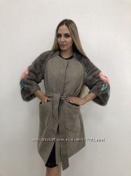 1f14c0605fb Красивое кашемировое пальто с меховыми рукавами