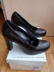Туфли Bata р. 37  Italy