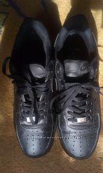 Кроссовки кожаные Nike air. Новые.