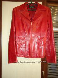 Стильный кожанный пиджак.