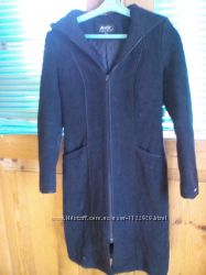 Демисезонное пальто на девочку 12-14лет