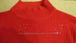 Красивый свитер гольф красного цвета