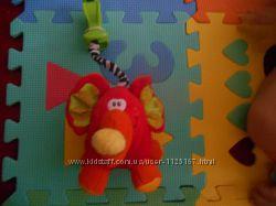 Игрушка на коляску слон playgro