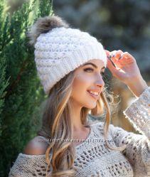 Женская зимняя шапочка с меховым бубоном. Отправка товара каждый день