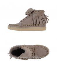 Ash. Замшевые ботинки. Италия