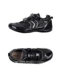 Стильные кроссовки от Geox.