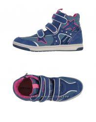 Очень стильные кроссовки GEOX