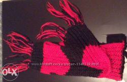 Теплый вязаный шарф в красно-черную полоску