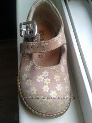 Кожаные британские туфли на девочку kickers 23 размер
