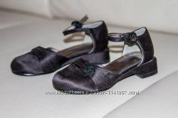 черные нарядные туфельки Kenneth Cole Reaction для девочки 24 р-р
