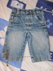 Двое джинсов на мальчика 6-9 мес.