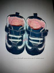 Мягусенькие пинетки-кроссовочки OshKosh 11, 5см по подошве