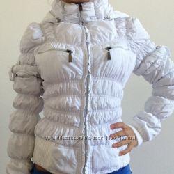 Куртка жіноча тягнеться