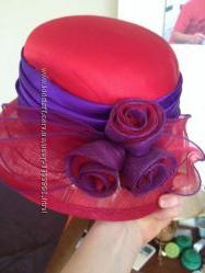 Красная эффектная  шляпа