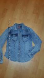 Фирменная джинсовая рубашка H&M