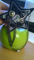 Аксессуар украшение звёздочка с цепочками на пиджак кардиган