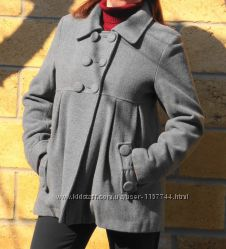 Славное пальто тренч с бантиком.