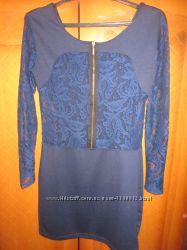 Платье с гипюровыми вставками