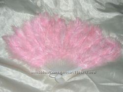 Веер перо атрибут для костюма.