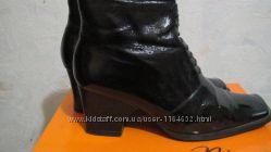 Ботинки демисезонные женские лакированные