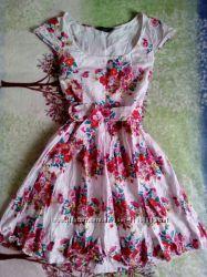Яркое женственное платье от Dorothy Perkins