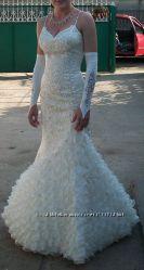 Шикарное платье в камнях сваровскиподарок