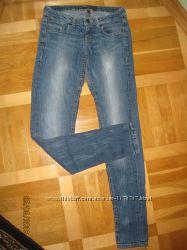 Женские джинси Bershka