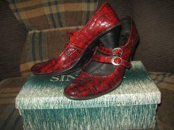 Туфли  кожа-лак  отличное состояние