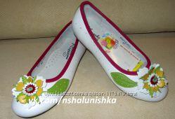 Очень красивые туфли для девочки B&G 35-36 размер