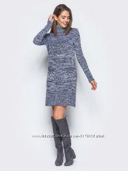 Комфортное платье приталенного силуэта под горло