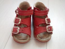 Босоножки детские красные Ortopedia 19