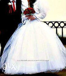 Свадебное платье с аксессуарами