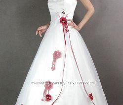 Платье  свадебное -  Новое -  в наличии
