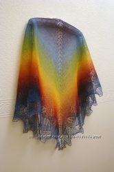 Продам лаконичную  шаль- косынку ручной работы Шальная Радуга