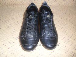 Продам  или обменяю туфли красовки