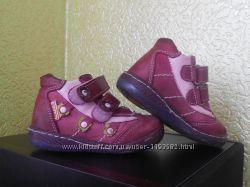 Продаю Red Kids шкіряні туфельки дів. 21 розмір.
