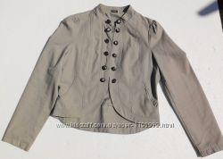 George Хлопковая куртка с пуговицами и на крючёчках.
