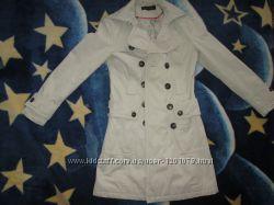 Легкое красивое деми пальто до 46 размера