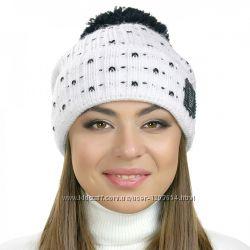 Женские шапки с меховым бубоном разные цвета